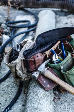 tool belt jesse-orrico-62699-unsplash